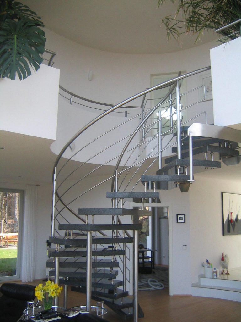 """Edelstahl-/Granit Wendel- Treppe """"Anspruchsvoller, gediegener Luxus"""""""