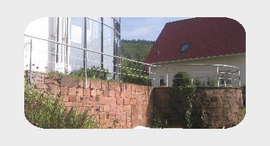 """Terrassen- Edelstahlgeländer """"Anspruchsvoller, gediegener Luxus"""""""